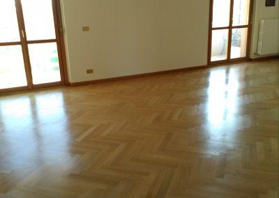 galleria-07-lucidatura-pavimenti-ripristina-legno-levigatura-pavimenti-gennari